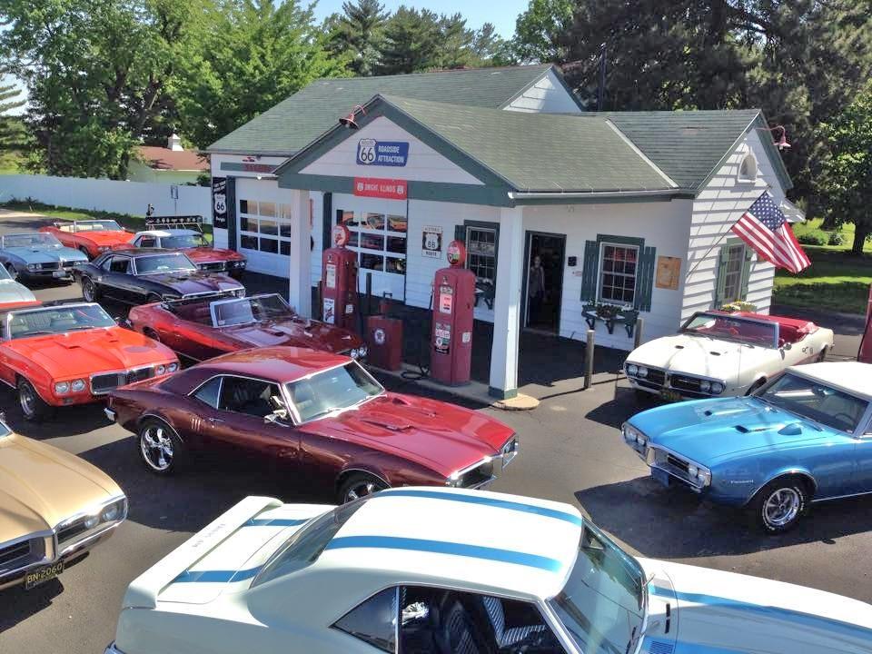 2016 Firebird Show - 16 Firebirds at gas station