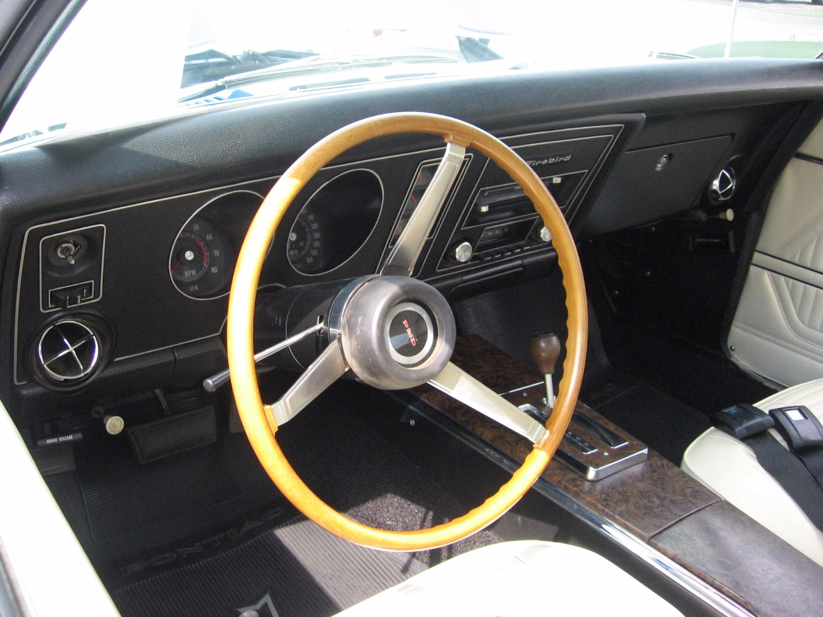 1969 Trans Am - Curt Richards - white interior (8)
