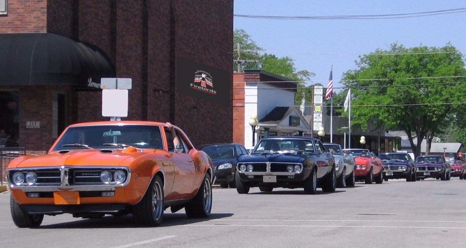 2016 Midwest Firebirds coming into Pontiac - with sign on   wall